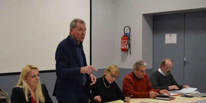 Le collectif a été présenté officiellement, mardi à Marcenais, par Jean-Jacques Édard (debout) et Edwige Diaz (à gauche) JORINA POIROT / JORINA POIROT