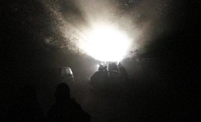 Affrontements entre gendarmes mobiles et zadistes tôt lundi matin. © CG