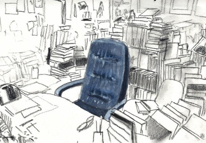 Le fauteuil vide d'Armand Gatti dans son bureau à la Maison de l'Arbre. © Peinture originale de Romain Zeder.