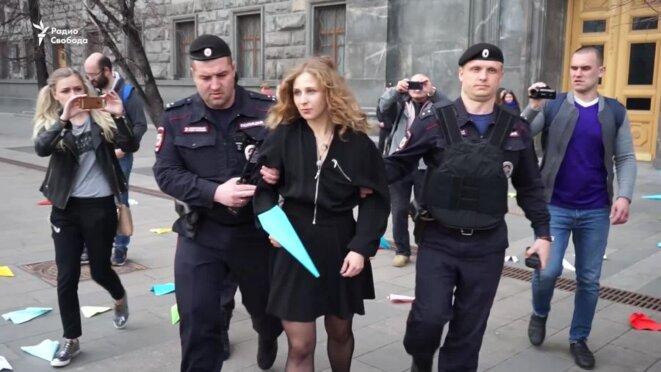 Arrestation de  Maria Alekhine, Pussy Riot à Lubyanka © Radio svoboda
