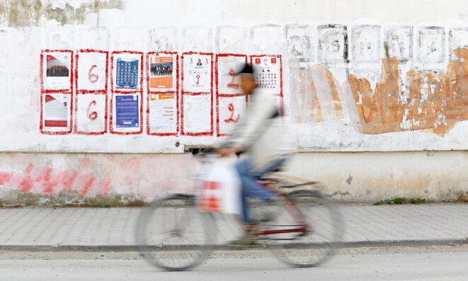 Affichage électoral à Tunis, le 17 avril 2018. © Reuters