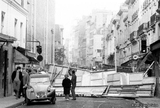 barricades-c