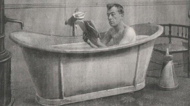 L'acteur de théâtre Félix Galipaux apprenant son rôle © Domaine Public