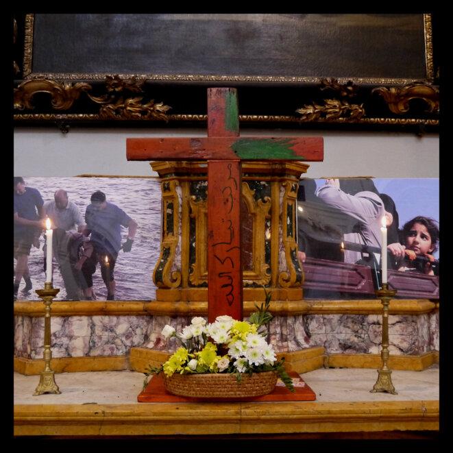 Autel dans la paroisse Santa Chiara qui accueille la communauté des Jeunes pour la Paix de Sant'Egidio © Evangeline MD