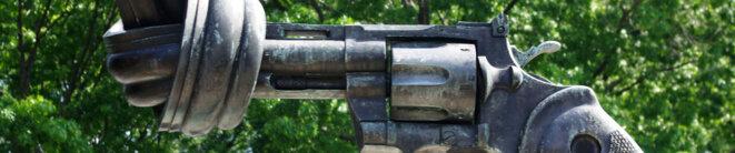 Révolver Colt python 357 magnum sculpté © France Diplomatie