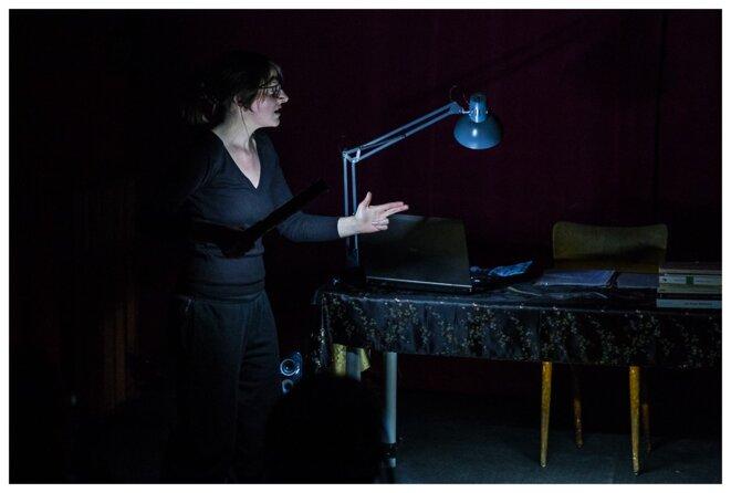 """Cie Sans la nommer, """"Maothologie"""", écriture, mise en scène et jeu: Fanny Gayard, 2017 © Matthieu Edet"""
