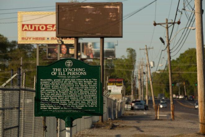 Memphis, Summer Avenue. Un plaque rappelle le lynchage tout proche d'Ell Persons, en mai 1917. © Thomas Haley