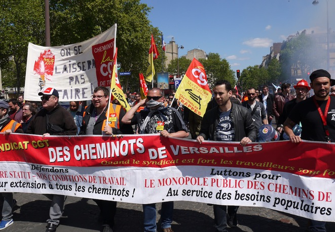 Le 3 mai, pendant le rassemblement intersyndical des cheminots à Paris. © D.I.