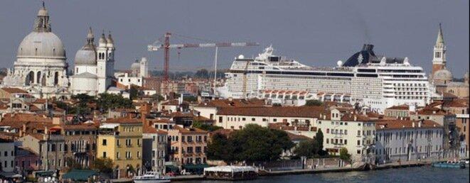 Un paquebot de croisière fait escale à Marseille, à deux pas du centre-ville. © Reuters