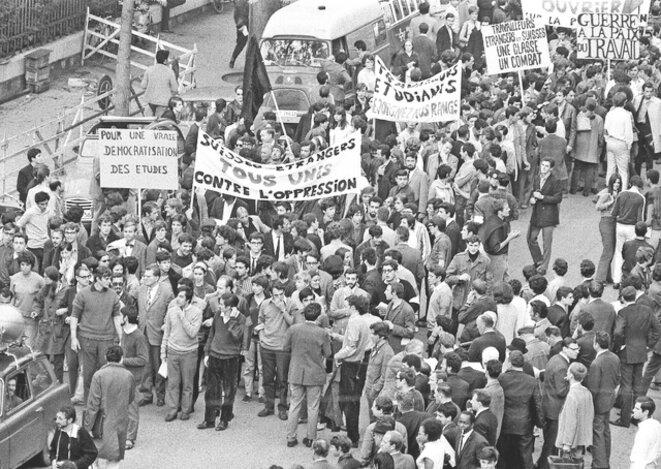 Départ d'une des manifs de Mai-68 à Genève.
