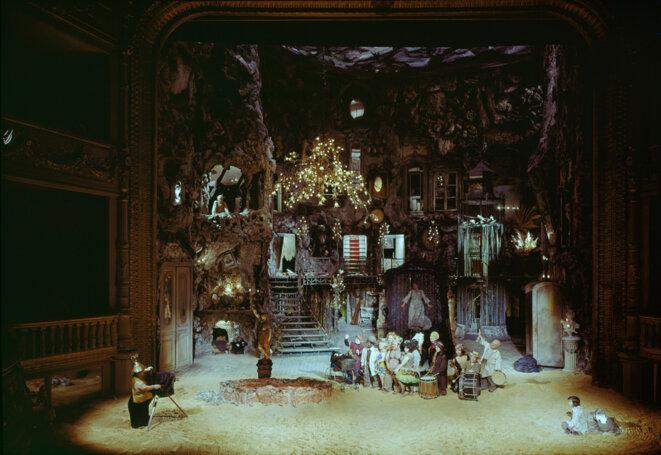 Décor de Turandot - Lucian Pintilié - 1974 © Gilles Walusinski