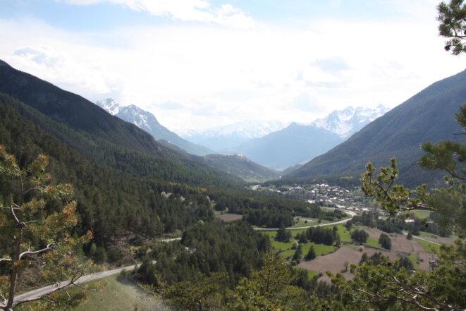 Le village de La Vachette, vu depuis le col de Montgenèvre. © MM