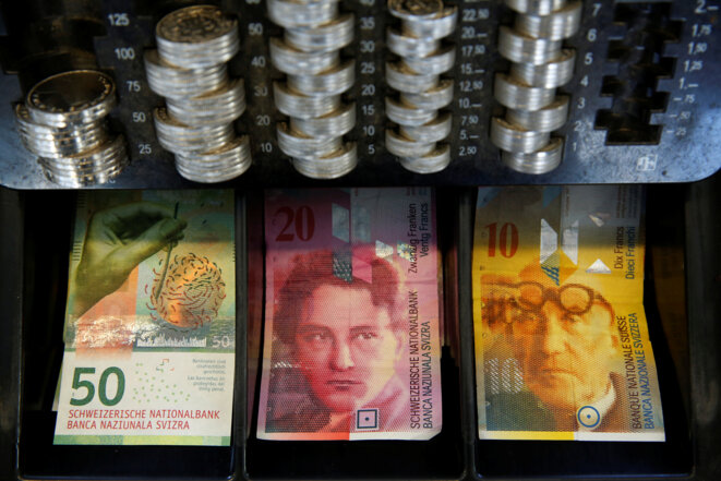Des francs suisses. © Reuters