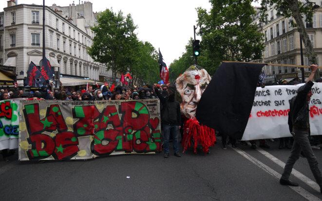 De nombreux lycéens, étudiants et enseignants se trouvaient mardi en tête du cortège de la fonction publique à Paris. © DI
