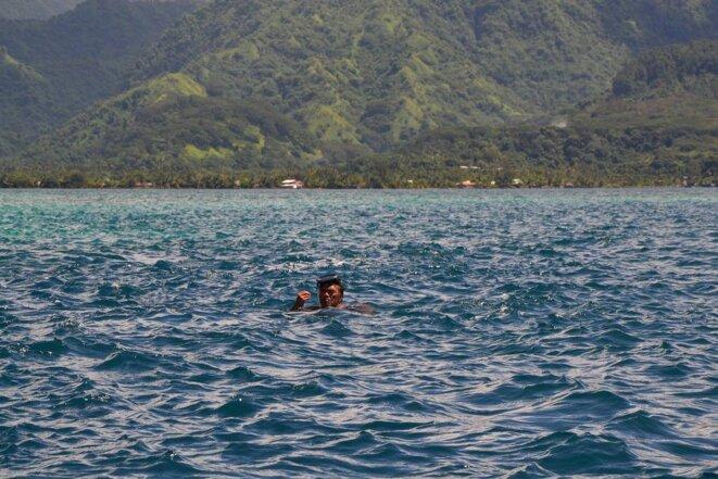 Ismaël PATU HUUKENA en son habitat des Eaux. Henua Enana. Dec 2017 ( Îles Marquises )