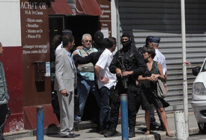 Reconstitution à la bijouterie TURK, avec la Police © Nice-Matin
