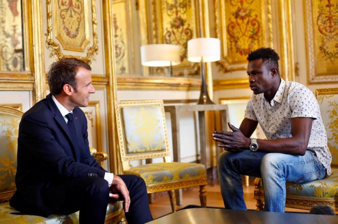 Mamoudou Gassama rencontre Emmanuel Macron