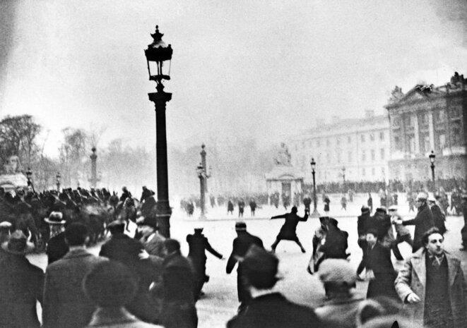 Manifestation des ligues d'extrême droite, le 6 février 1934 sur la place de la Concorde à Paris.