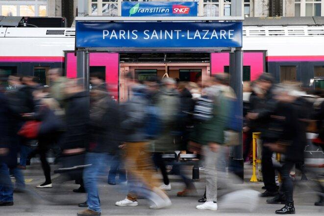 À la gare Saint-Lazare, pendant la grève nationale des cheminots, le 22 mars 2018. © Reuters/Stéphane Mahé