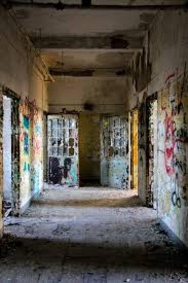 Hôpital psychiatrique abandonné
