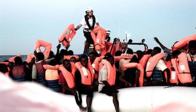 Rescate de migrantes del buque 'Aquarius'. © EP