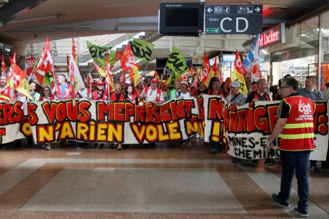 Manifestation des cheminots le 12 juin. © reuters