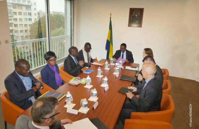 Paris, Ambassade du Gabon- 11 juin 2018- Réunion tripartite AMBASSADE DU GABON, QUAI D'ORSAY ET PRÉFECTURE DE POLICE DE PARIS -Une phase de la séance de travail
