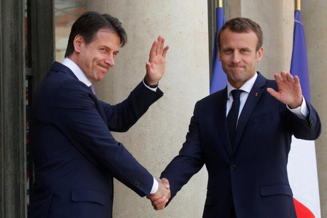 Le premier ministre italien Giuseppe Conte et Emmanuel Macron à l'Élysée, le 15 juin. © Reuters