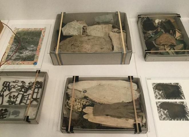 "Lois Weinberger, ""Debris field"",(Champ de décombres), 2010-16, © Lois Weinberger"
