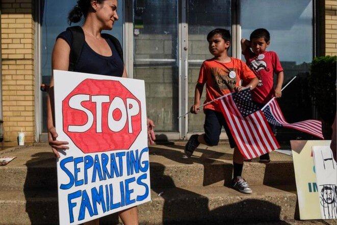 Manifestación contra la separación de familias, Elizabeth (Nueva Jersey), 17 de junio de 2018. © Reuters