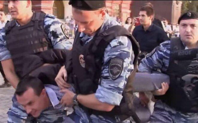 Denis Bakholdin arrêté en 2014 à Moscou © Grani.ru