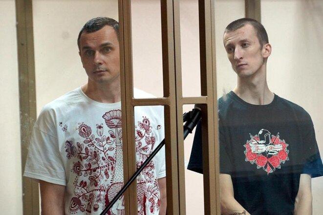 Oleh Sentsov (g.) et Oleksandr Koltchenko (Amnesty International)