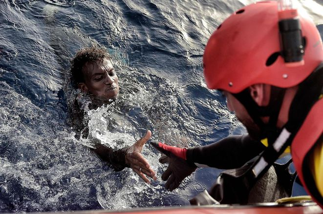952758-migrant-sauvetage