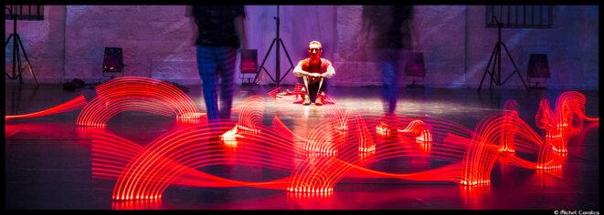 Au Festival de Montpellier Danse, Kader Attou et mourra Merzouki embrase le théâtre de l'Agora © Michel Cavalca