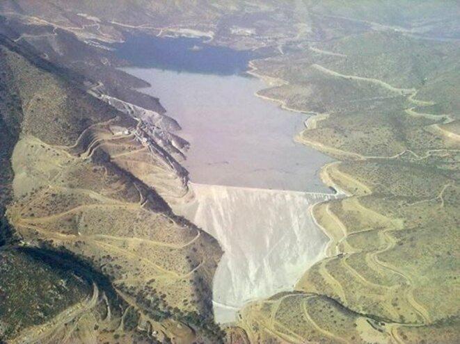 Vue aérienne du réservoir de déchets miniers d'El Mauro