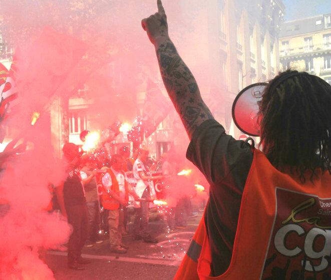 La CGT manifeste à Paris le 19 avril. © D.I.