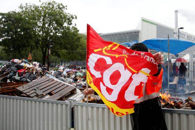 Occupation de l'incinérateur d'Ivry par le syndicat du nettoiement parisien, le 31 mai 2016. © Reuters/Charles Platiau