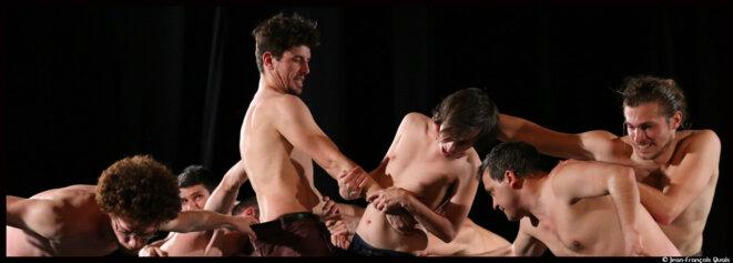 Dans Gameboy au Festival Montpellier Danse, Sylvain Huc interroge la masculinité © Jean-François Quais