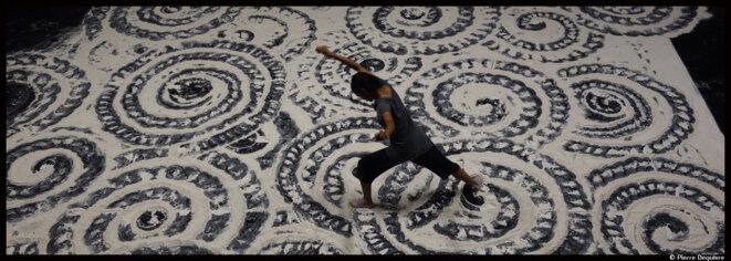 Au Festival Montpellier Danse, Aurélien Bory fait danser Shantala Shivanlingappa © Pierre Dequivre