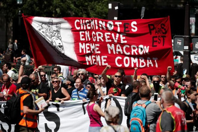 Une manifestation de cheminots le 28 juin à Paris. © Reuters