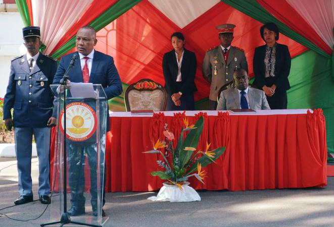 Le nouveau premier ministre malgache, Christian Ntsay, s'exprime lors de la passation de pouvoirs à Antanananarivo, le 6 juin 2018. © Reuters