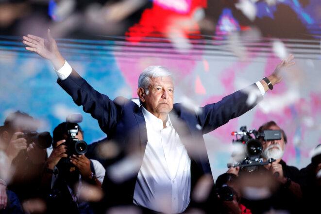 Andrés Manuel López-Obrador célébrant sa victoire à la présidence du Mexique dimanche 1er juillet 2018 © Reuters