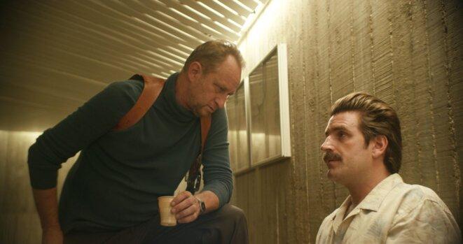 Benoît Poelvoorde et Grégoire Ludig dans «Au poste ! ».