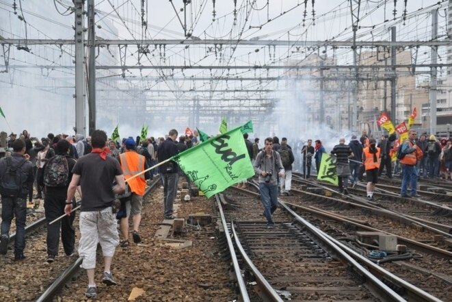 ob-ccc30a-ob-a3b063-greve-paris-montparnasse