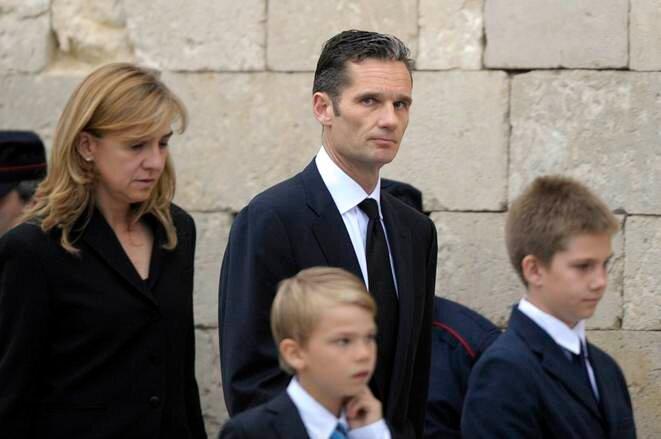 Cristina de Bourbon, la fille cadette de Juan Carlos, son mari Iñaki Urdangarin et leurs enfants, en 2012. © Vincent West/Reuters