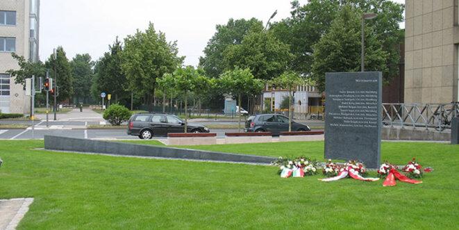 "Cette stèle commémore les victimes du ""NSU"" à Dortmund. © Sebastian ""sebrem"" B... / Wikimedia Commons / CC-BY-SA 3.0"