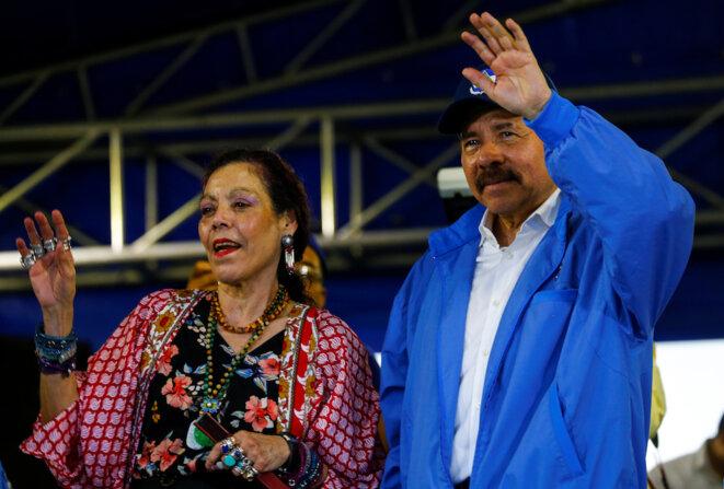 Daniel Ortega et son épouse honnie et vice-présidente Rosario Murillo, lors de son discours le 8 juillet 2018 rejetant les demandes des manifestants. © Reuters