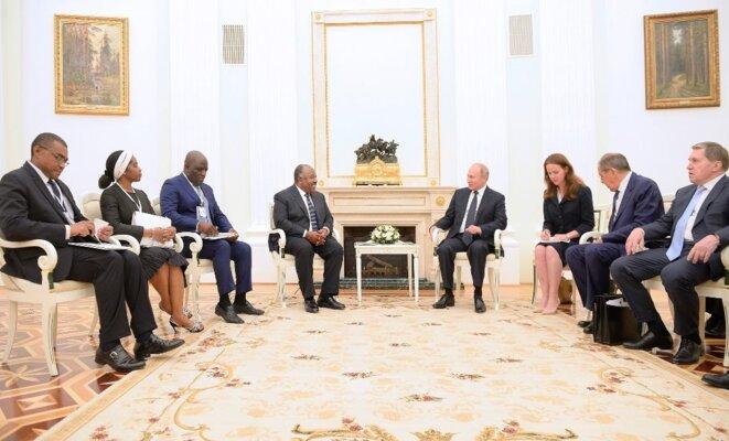 SE Ali Bongo Ondimba, SE Vladimir Poutine – Rencontre élargie aux 2 délégations