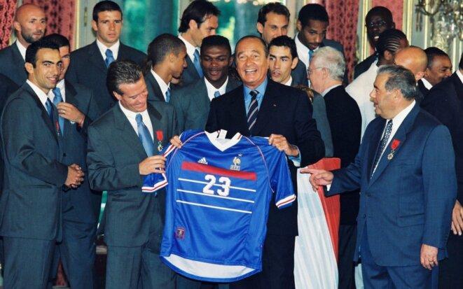 Jacques CHIRAC et les Bleus à l'Elysée le 1er septembre 1998 © X