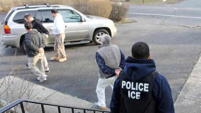 Mars 2017. Opération anti sans-papiers de la police de l'immigration à Levittown, Pennsylvanie. © DR